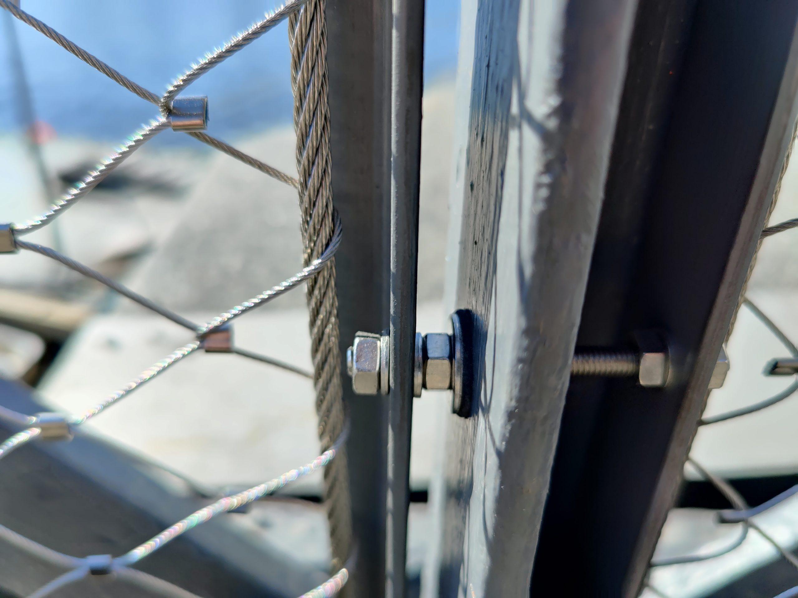 Detaljer på skeppsholmsbron vid norrmalm och skeppsholmen