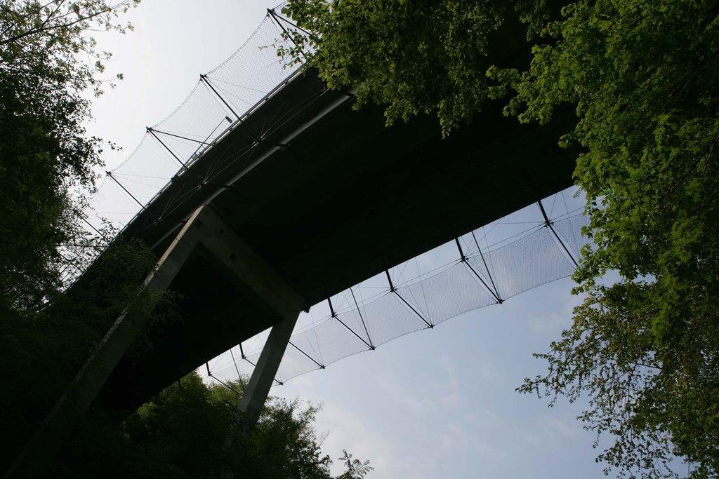 Rotbach Bridge i Rothenburg med skyddsnät
